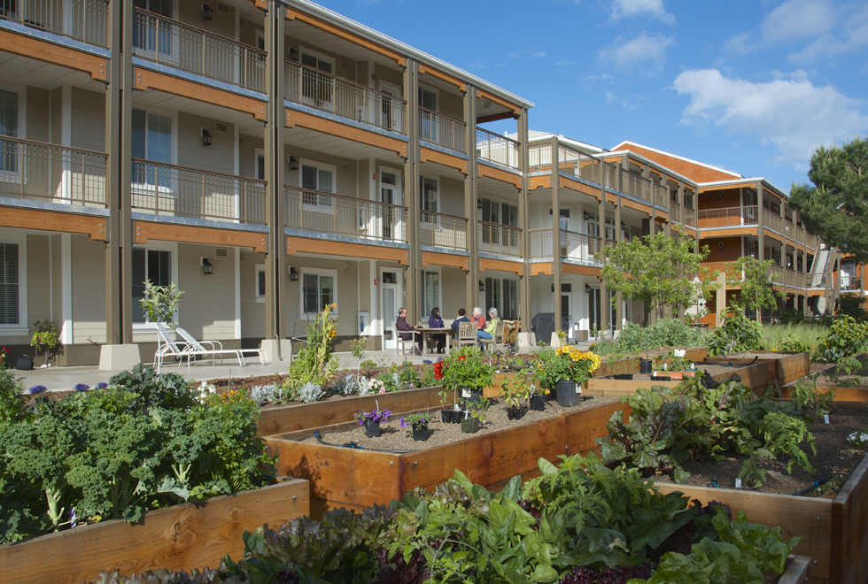 Mountain view cohousing community home for Country house com